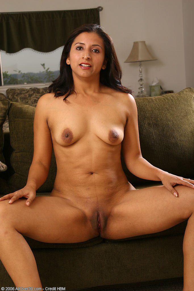 Latina Mature Nude