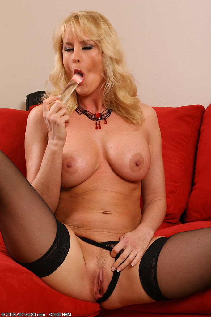 Shaved Blonde Milf Dual Dildo Action - Free Porn