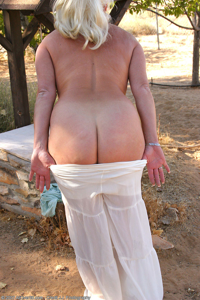 Bent over naked mature — img 2