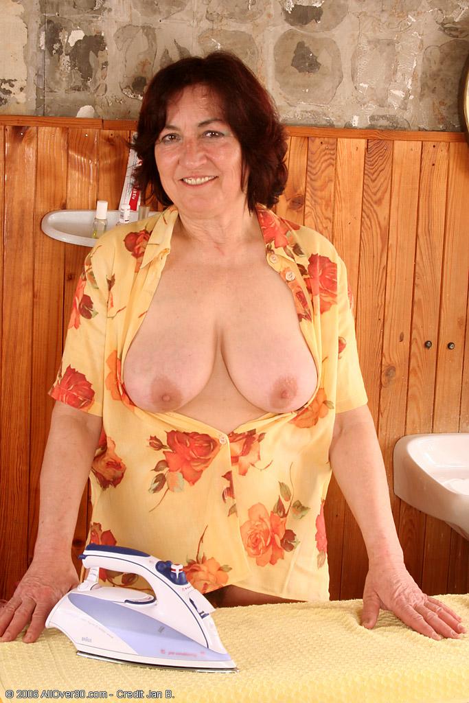 интим фото домохозяек 30 лет