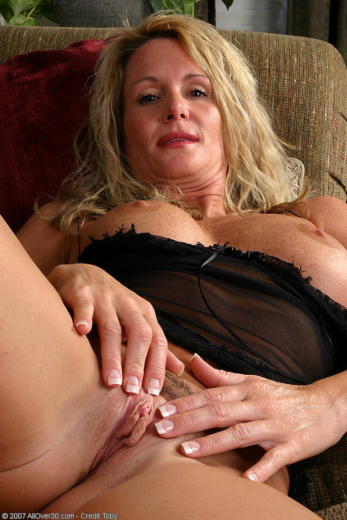 You are sexy lace lingerie pichunter milf