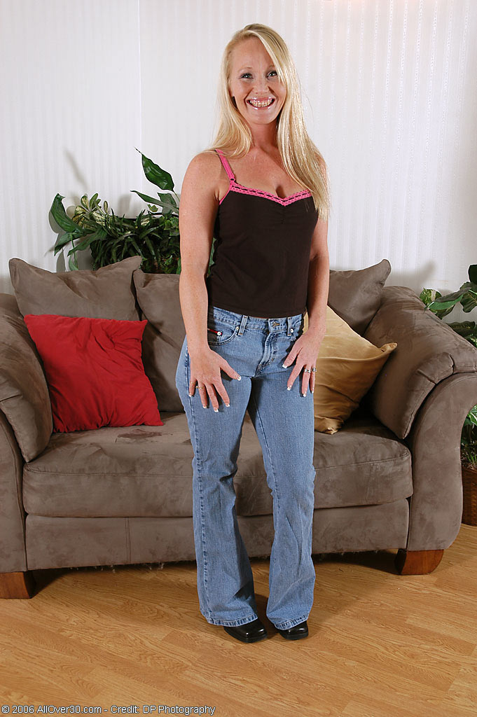 Jennaveue - housewives - 01 from AllOver30