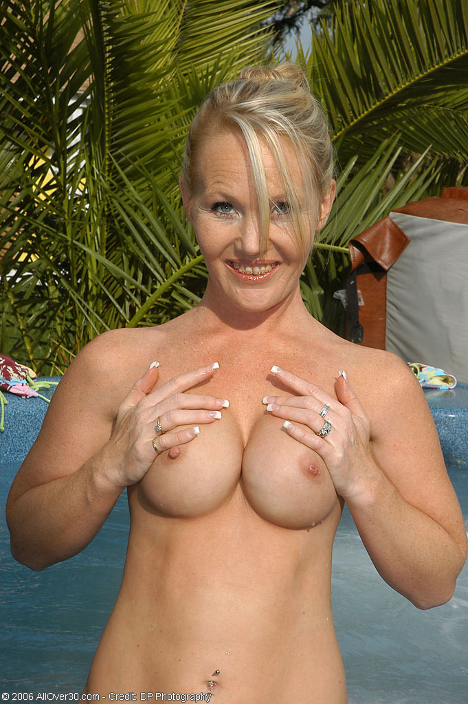 Sorry, nude skinny dipping milfs good information