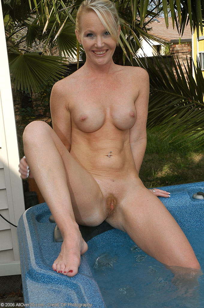 Blonde Skinny Dipping 111