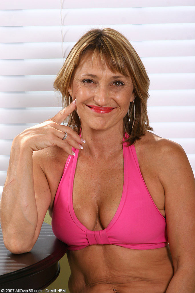 Jillian - Housewives - 002530 from AllOver30