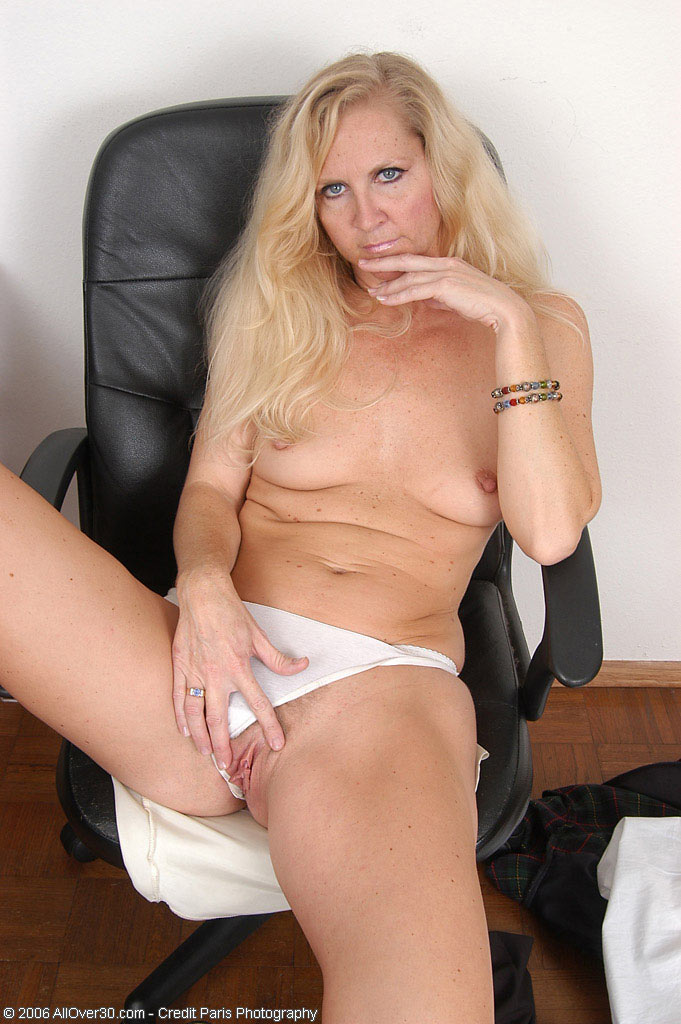 Blonde pussy penetration models video streaming