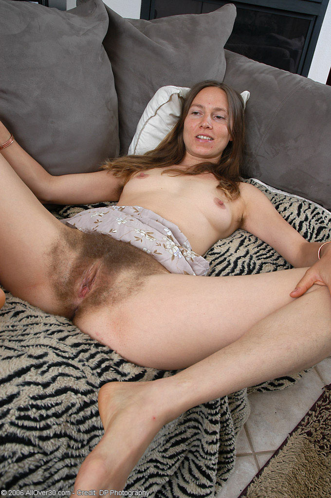 real nude pictures of really hairy pussy naked