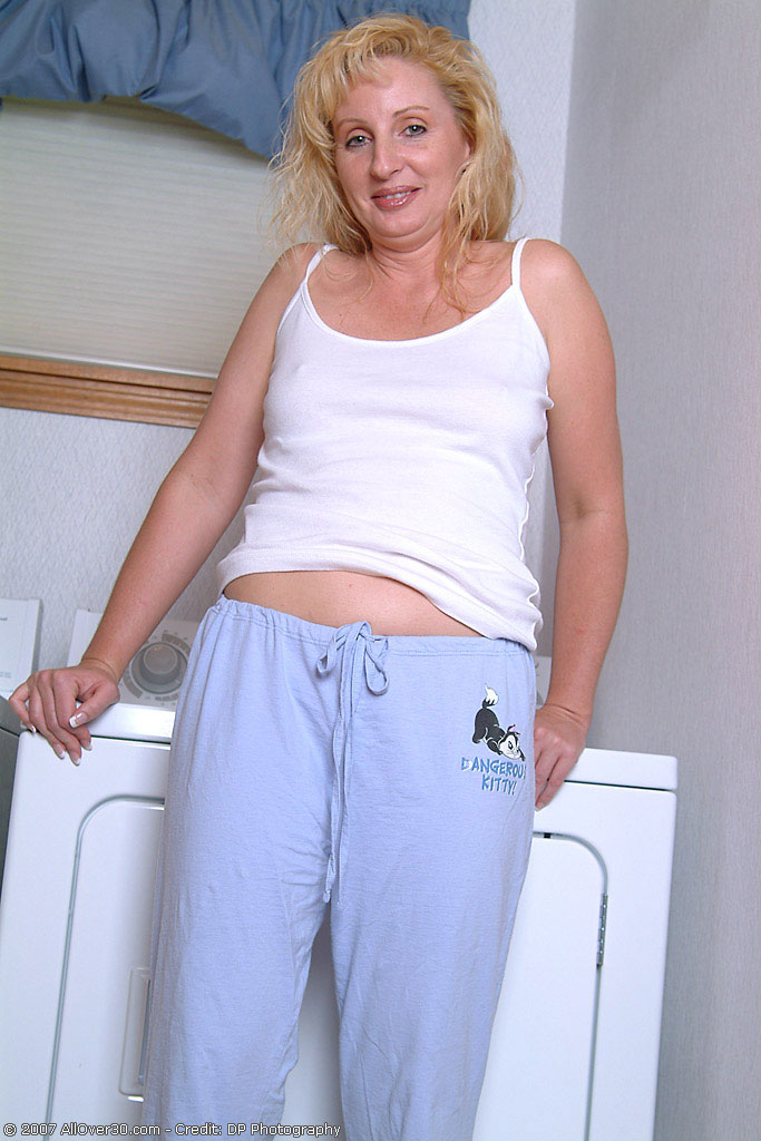 Michelle - Housewives - 002301 from AllOver30