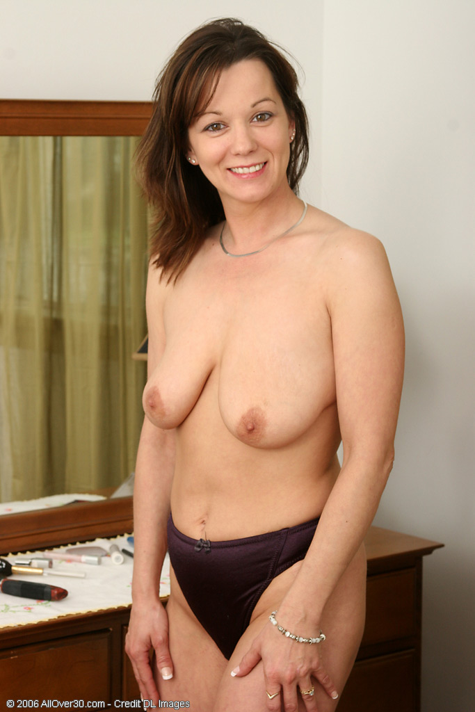 sakila boobs bra cum