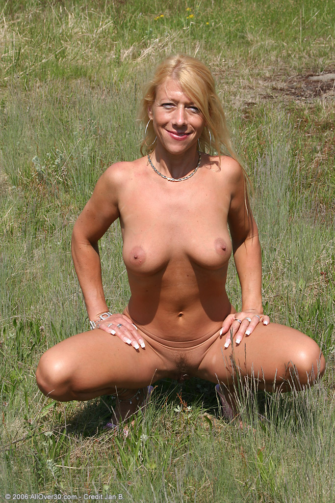 mature naked housewifes free movies