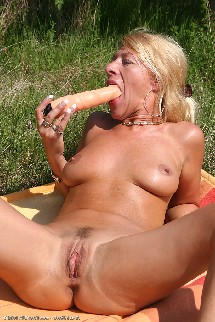 image Adult finder mature playing with pussy
