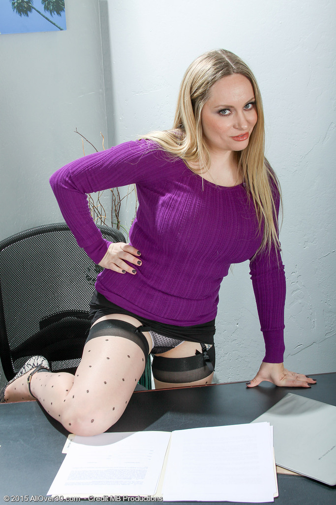 AllOver30 Aiden Starr Picture 2