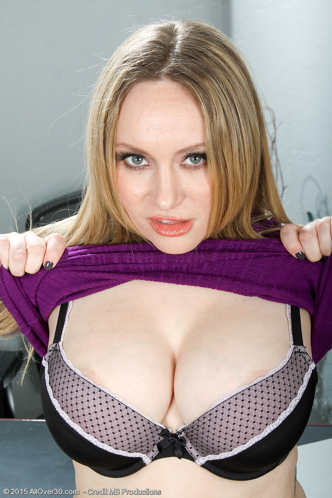 AllOver30 Aiden Starr Picture 10