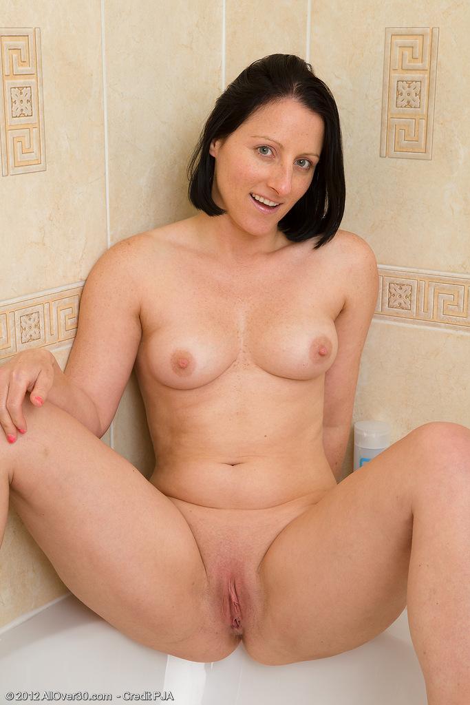 Сисястая мамочка ванной 1 фотография