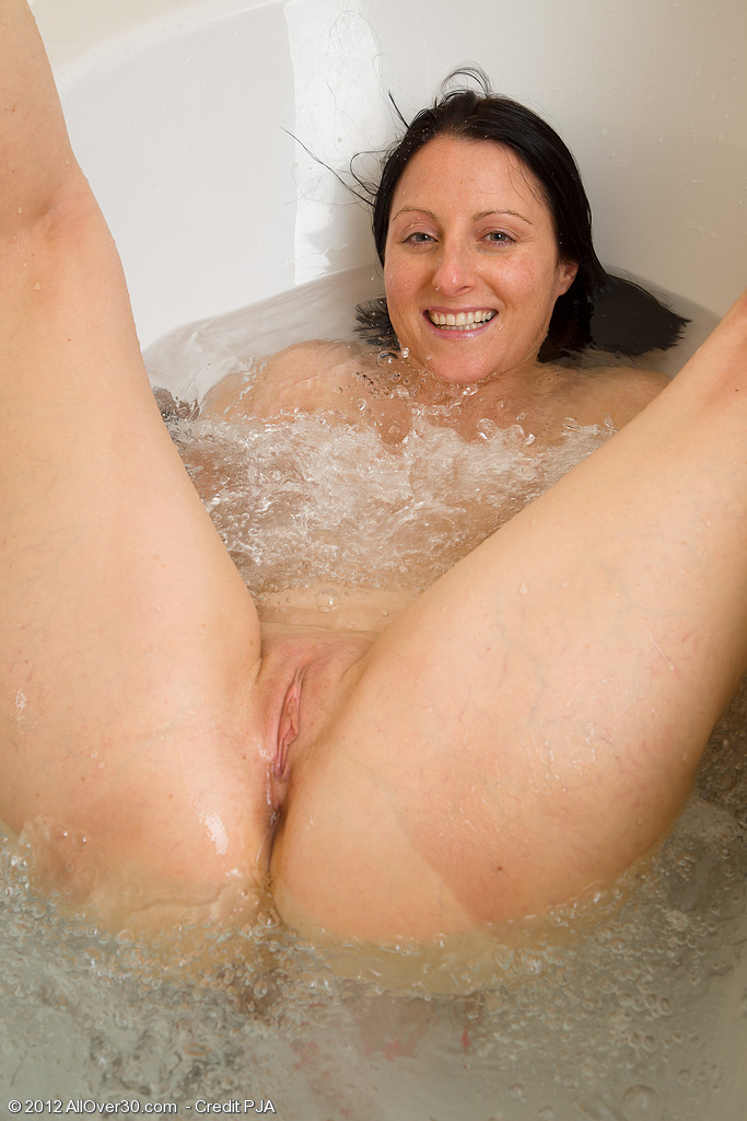 Голые бабы в ванной фото