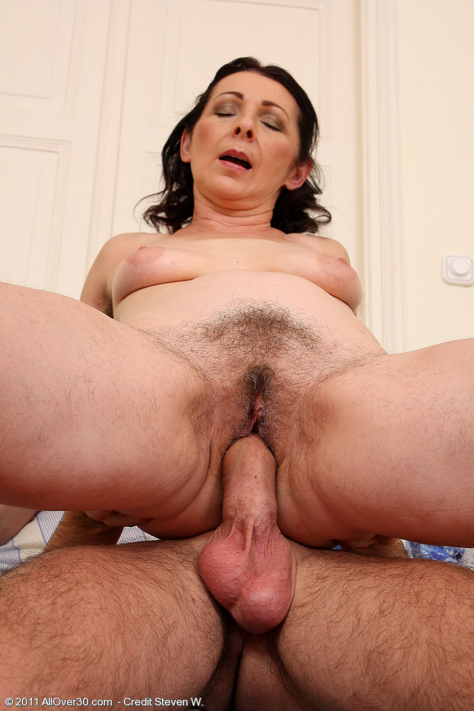 Google hairy mature lady cucumber masturbation 3