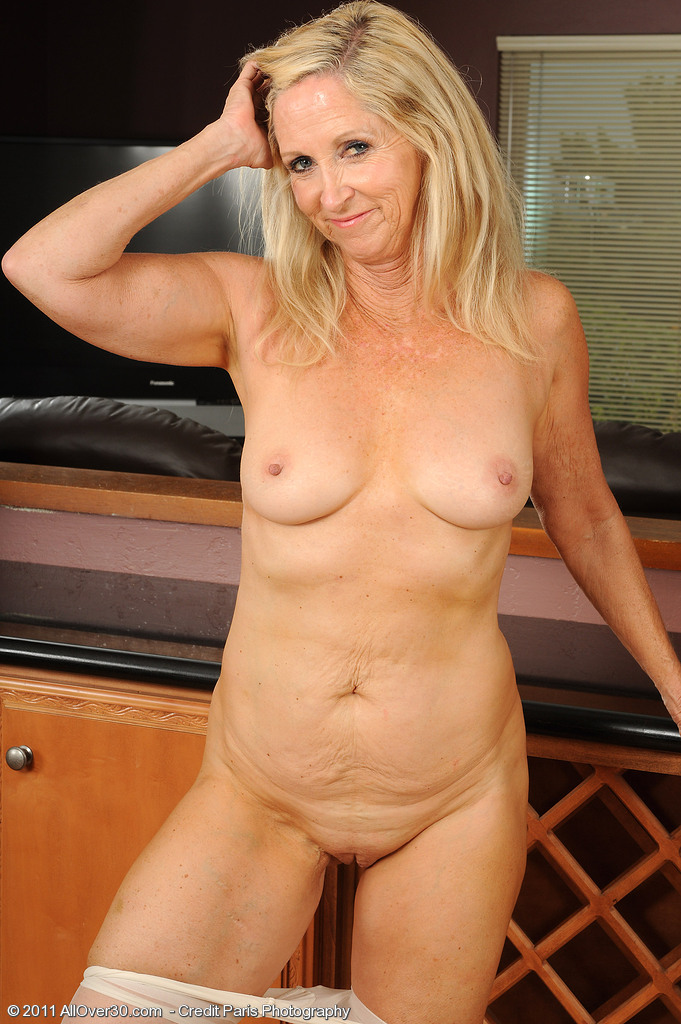 Amateur milf first time