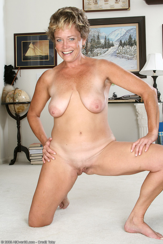 naked older women ariel