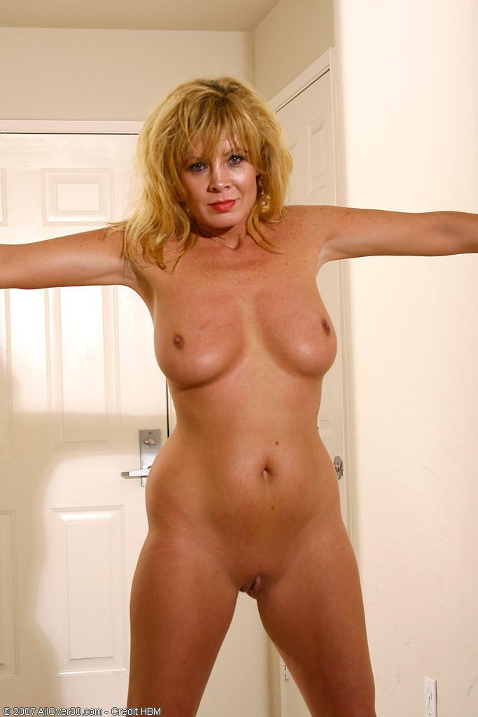 Older mujer mayor desnuda