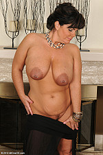 Brooklyn Rain is a 33 YO pierced nipple milf from All Over 30