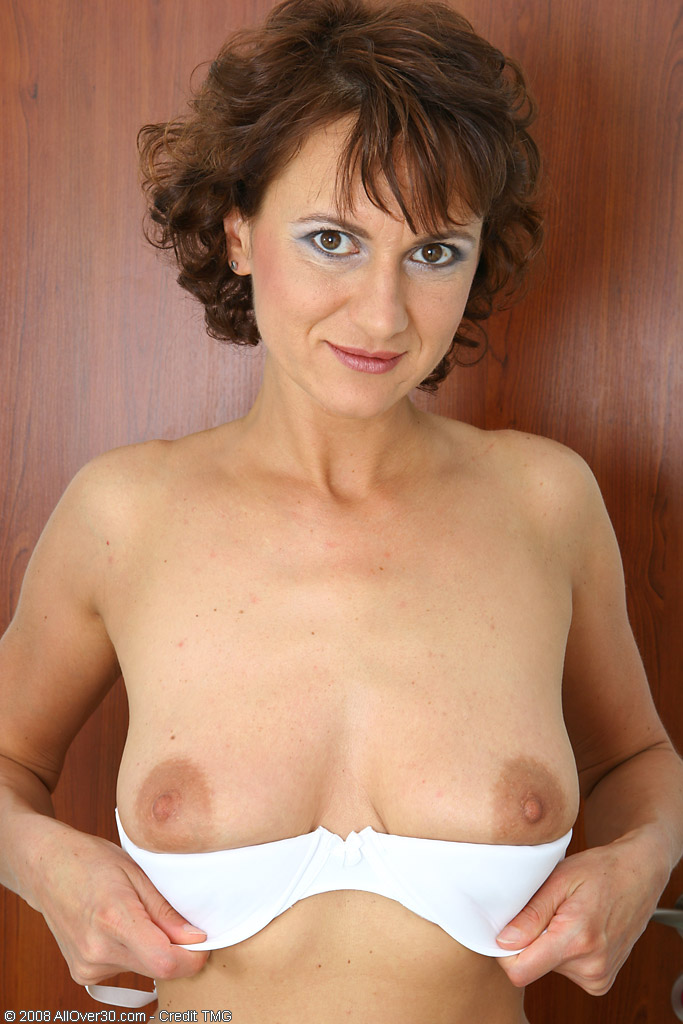 Over 30 MILF - AllOver30.com - Featuring Chelsea from Litomerice ...