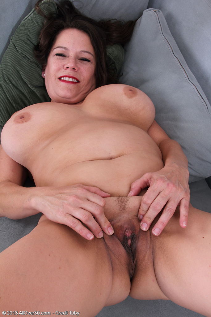 naked girl still virgin sex