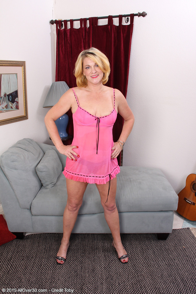 Mature courtney galleries