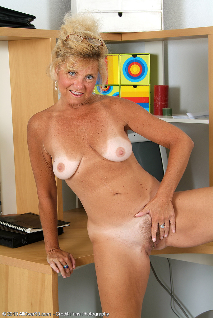 milf lines Naked tan