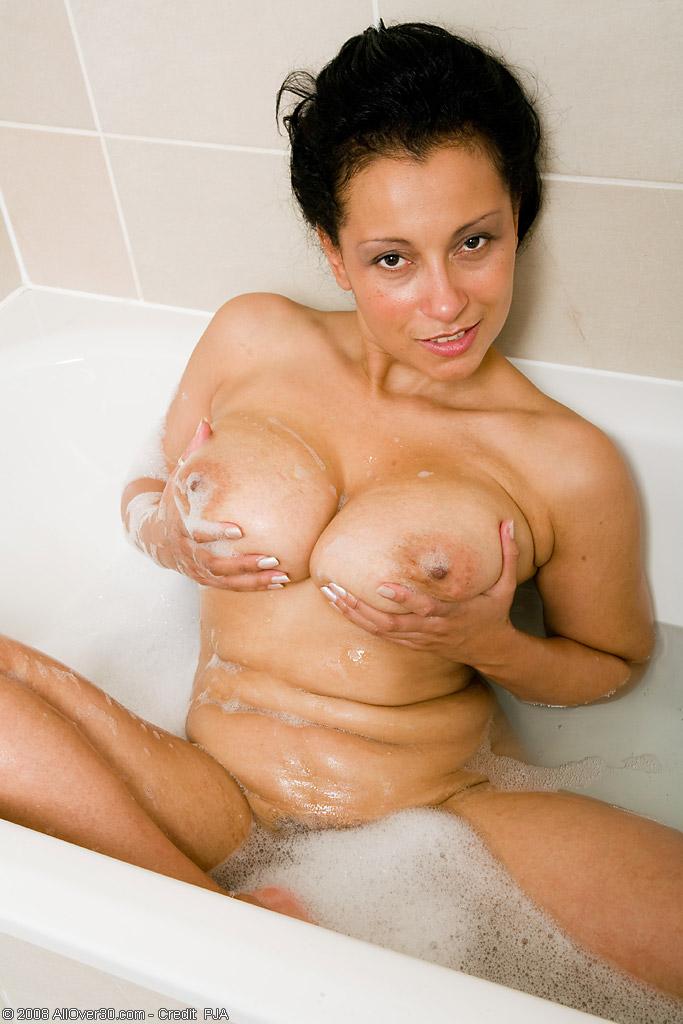 Грузинская женщина оголенная в ванной Эротика и порно фото, порнуха,секс ..