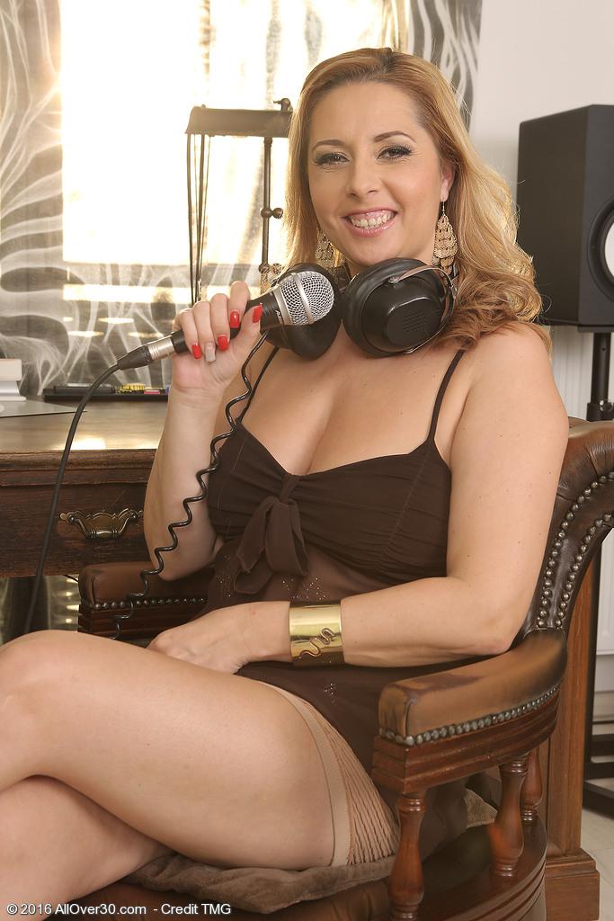 Daria Glower from AllOver30