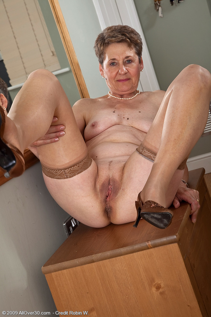 Older woman naked sex apologise