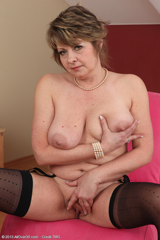 Donna Marie - First Ever Hardcore Scene preview -