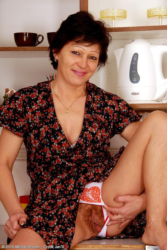 женщины в возрасте фото волосатые