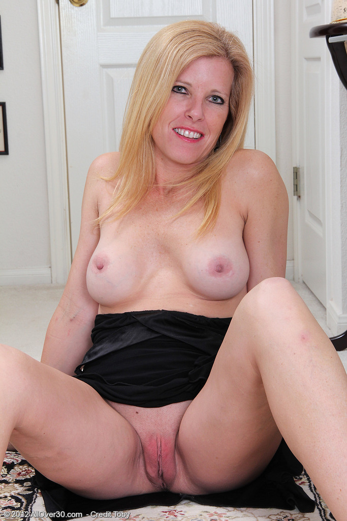 The item free movies of mature blonde pussy man