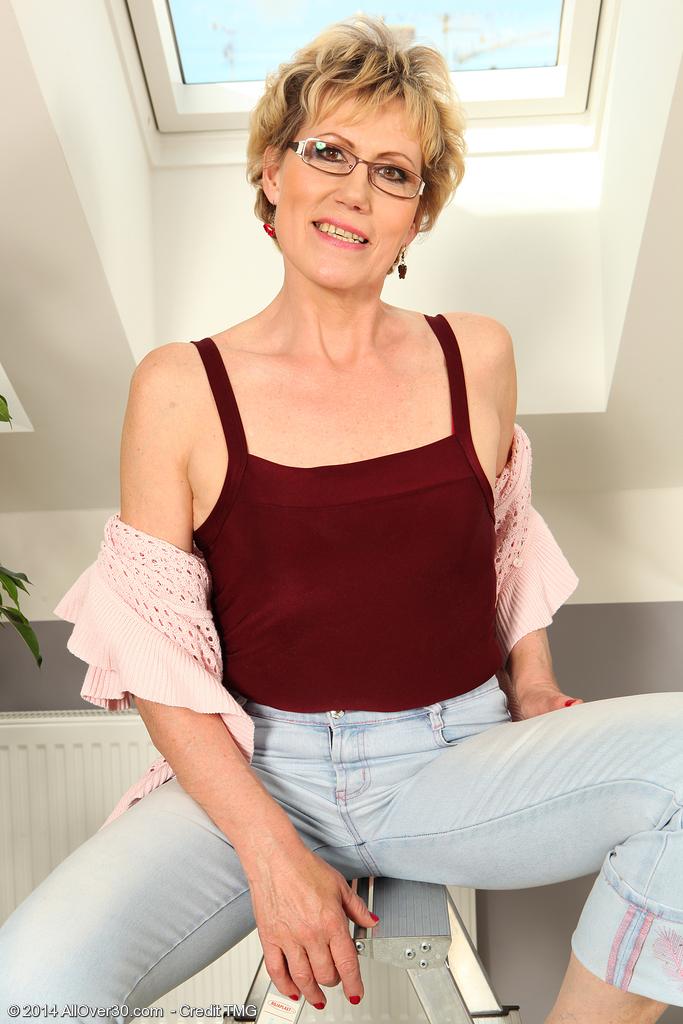 Georgina Mature 78