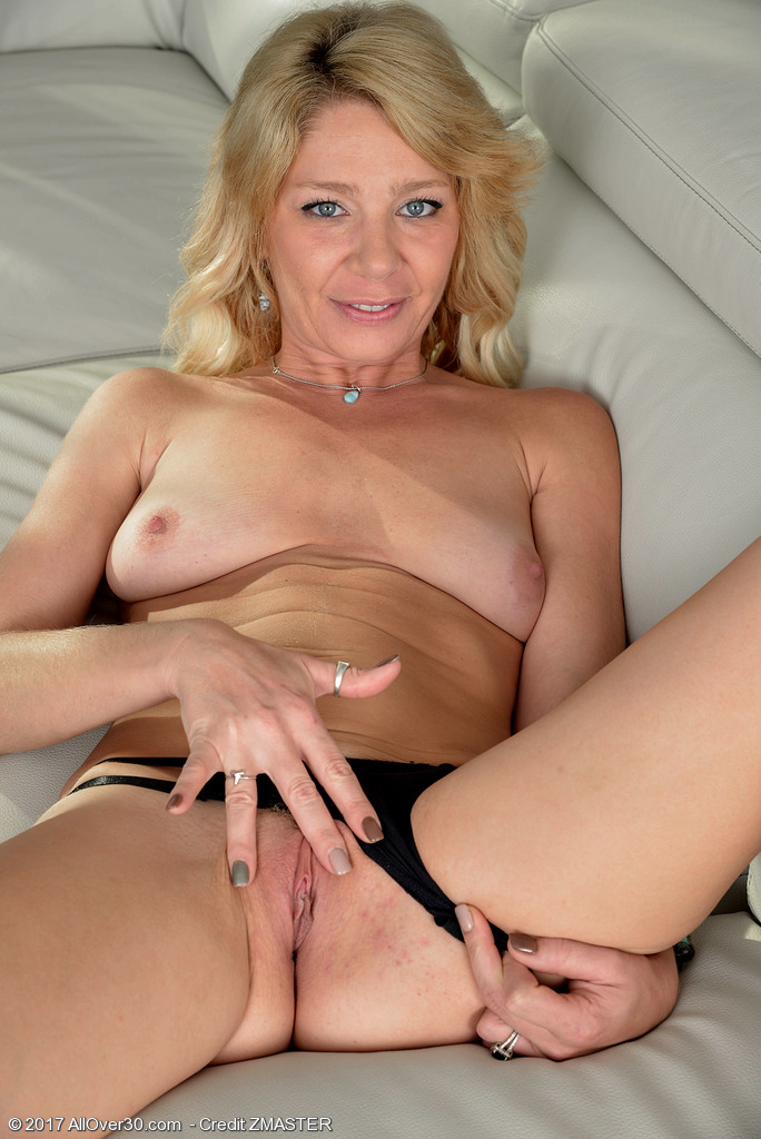 AllOver30 Harley Summers Picture 9
