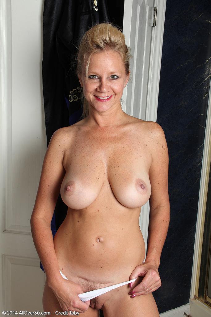 Naked older women heidi