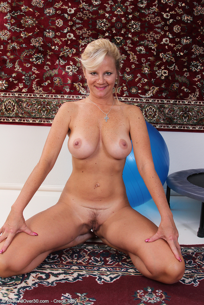 44 year old wife finally gets 1st bbc 10