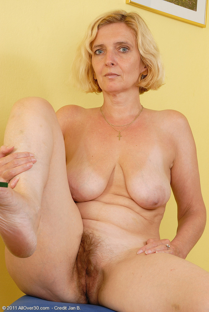Mature blonde topless galleries
