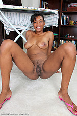 31 YO Jayden shows her ebony chew chew from All Over 30