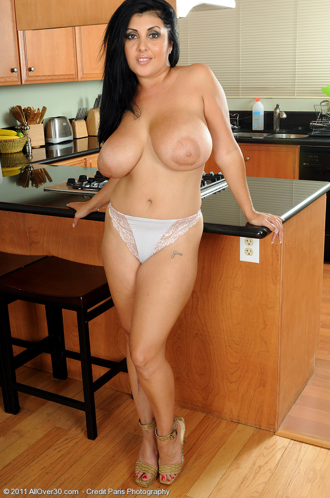 Exotic milf cougar search