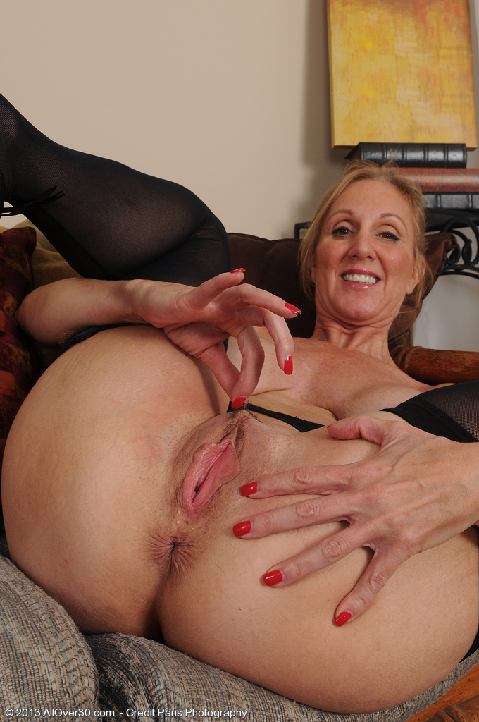 Girls Legs Up Mature Stockings