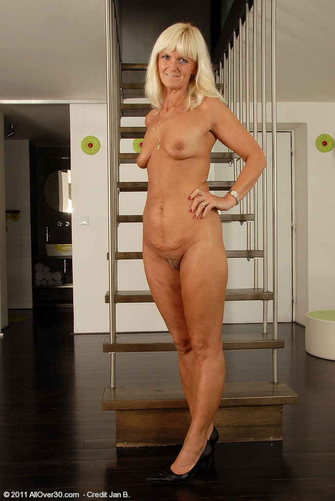Mature jenny yo in assfuck with young guy 7