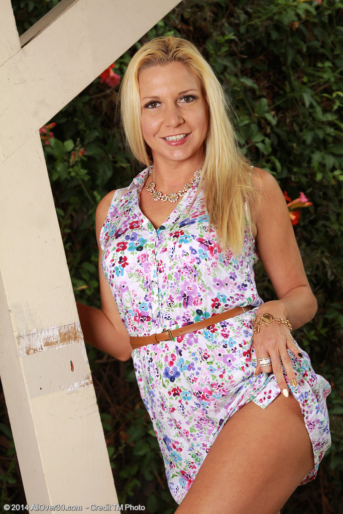 Jessica Taylor from AllOver30