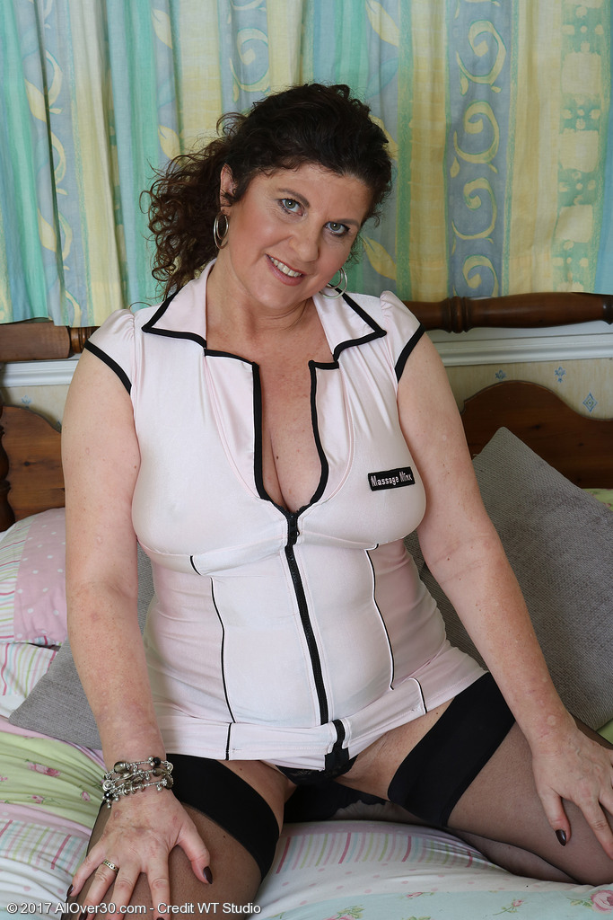 Jilly from AllOver30