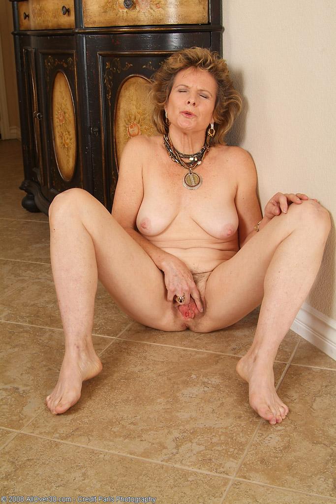 gratis erotikfilmer granny escort