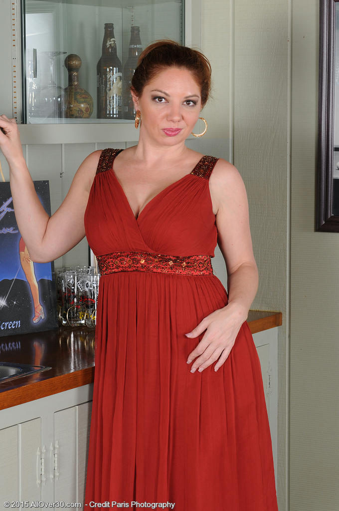 Kiki DAire from AllOver30