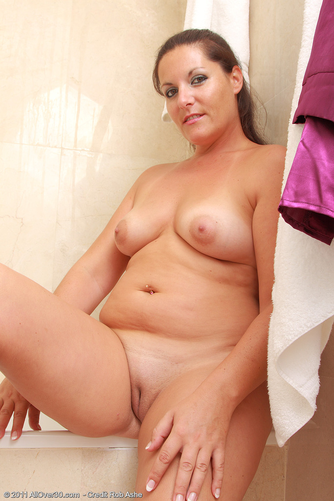 Over 50 mom probes herself with a big dildo Part 7