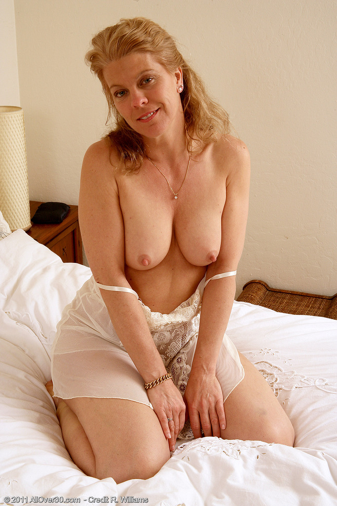 Milf over 30 lauren free photo