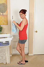 Athletic housewife Lya Pink from All Over 30